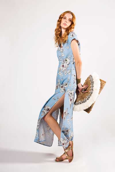 Light Blue Night Out Boho Μακρύ Φόρεμα Απαλό Γαλάζιο Χρώμα Με Άσπρα Λουλούδια